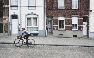 How travel rewards can incentivize low-carbon transportation